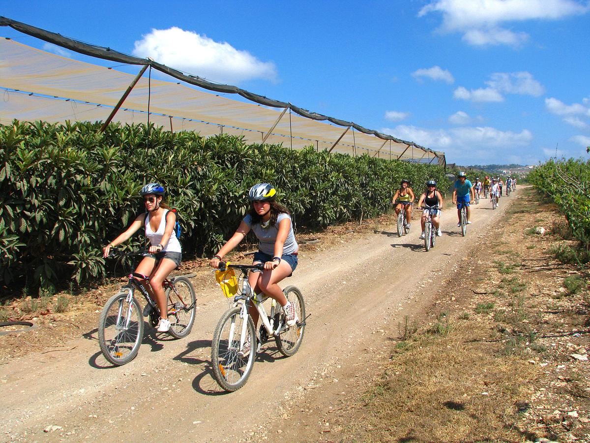 טיולי אופניים בנחל תנינים